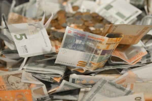 Zelf via het internet geld lenen?